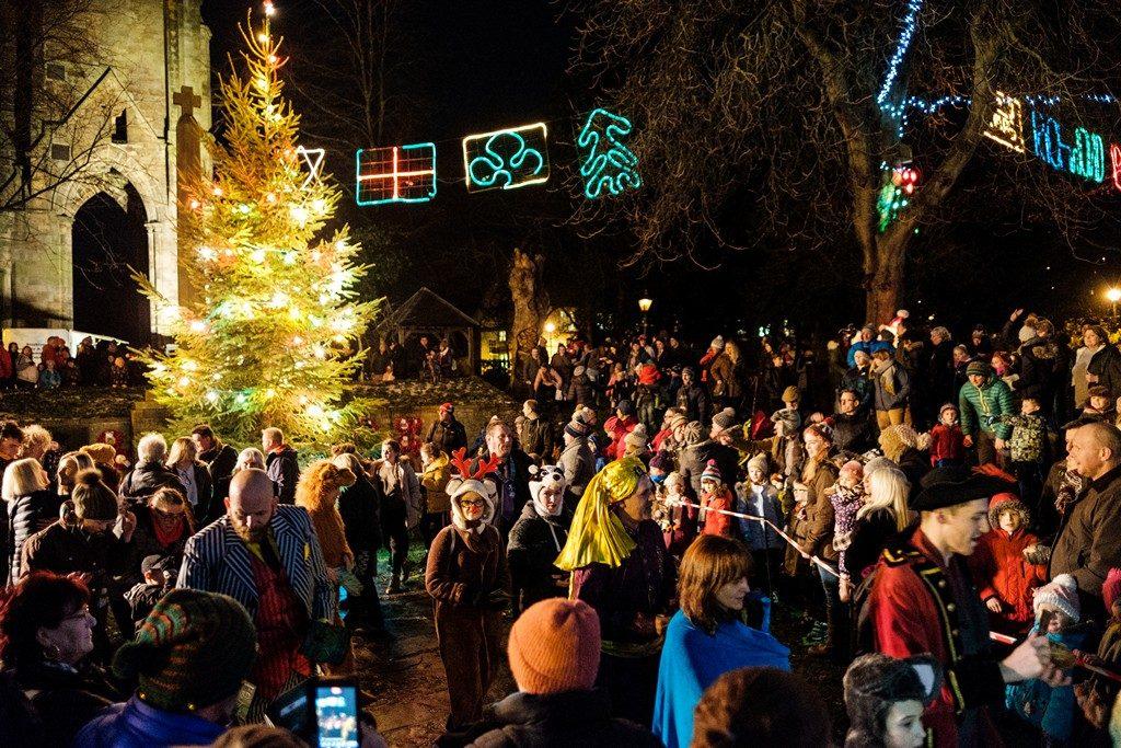 Christmas Lighting Richmond Va.Photos Richmond Christmas Light Switch On Richmondshire Today